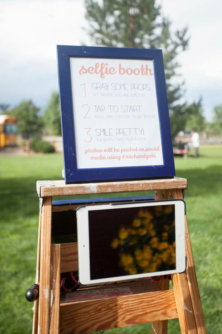 DIY wedding selfie booth