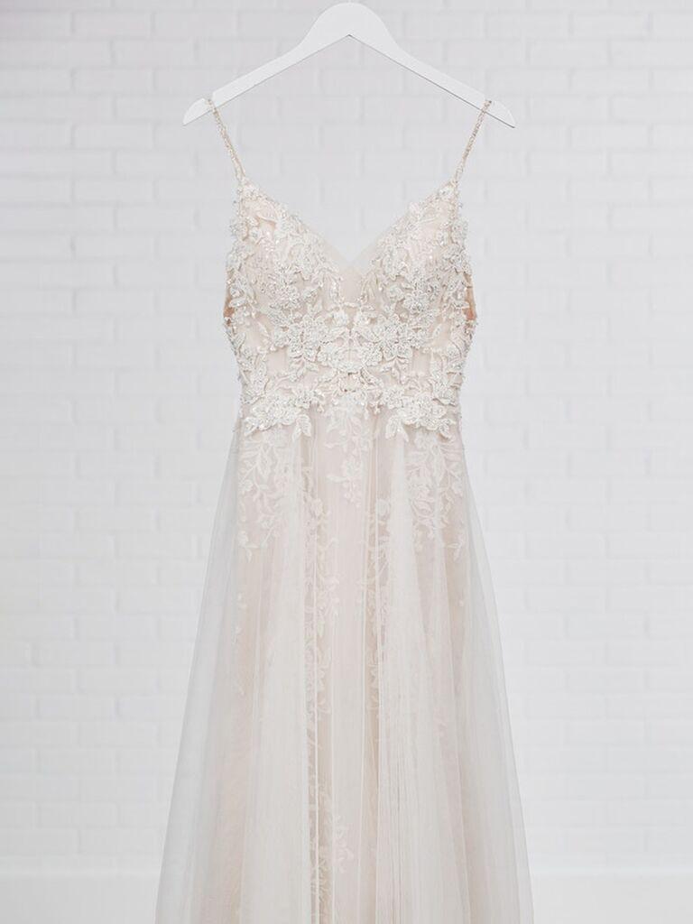 maggie sottero váy cưới trắng một dòng với dây đai spaghetti váy vải tuyn và ren Váy cưới đơn giản