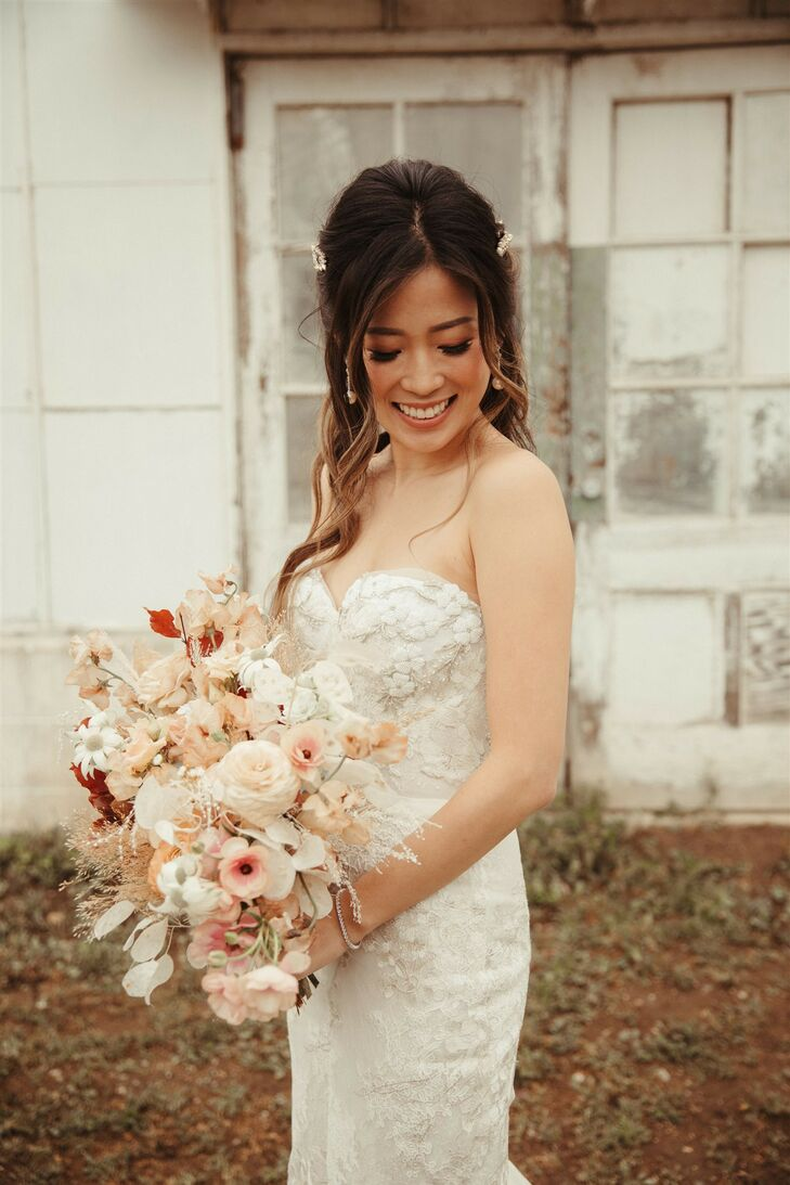 Bride with Romantic Bouquet in Shades of Pink and Red