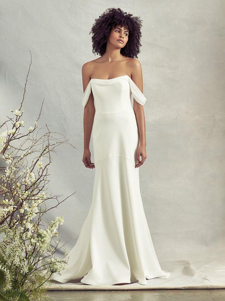 savannah miller trơn màu trắng váy cưới lệch vai với form váy hoa xếp nếp vừa vặn váy cưới màu trắng đẹp