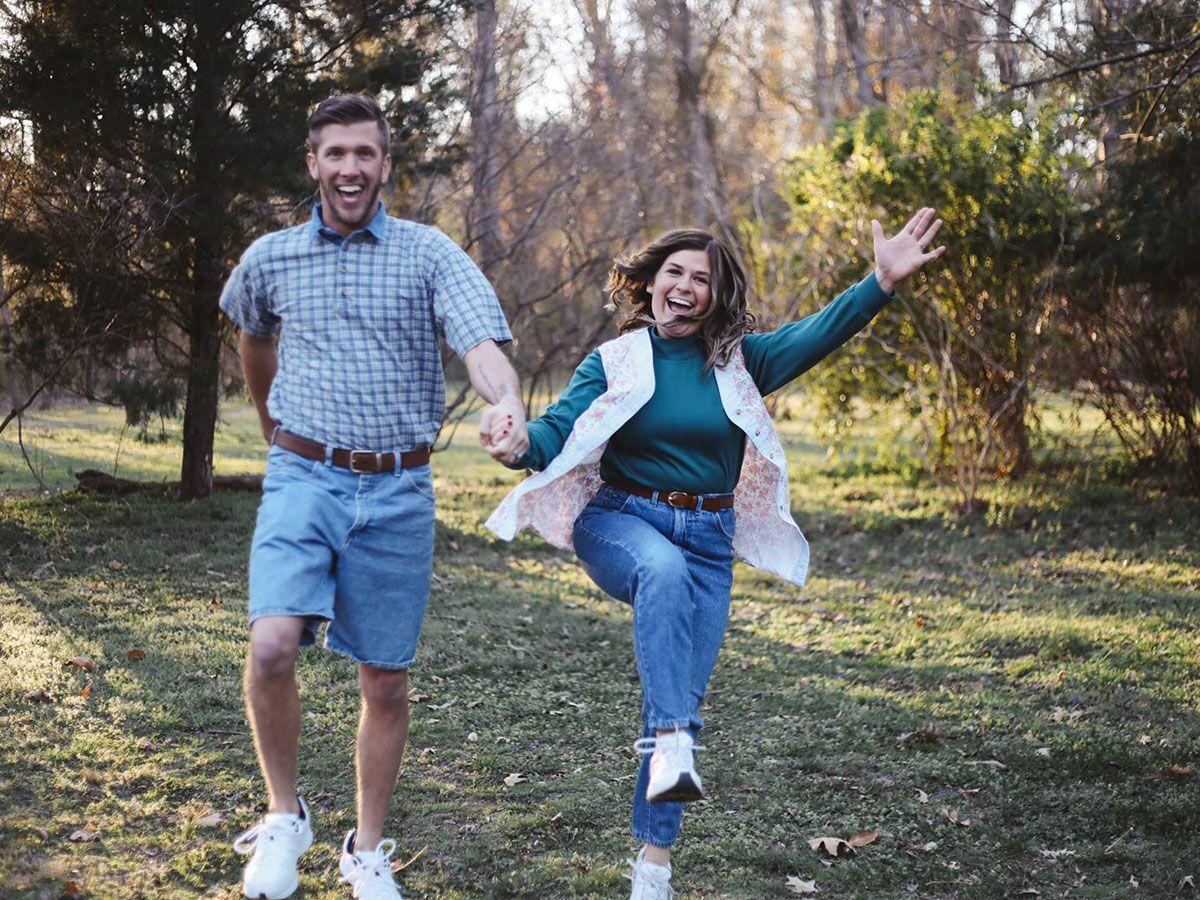 This Couple Took Hilarious Awkward Engagement Photos