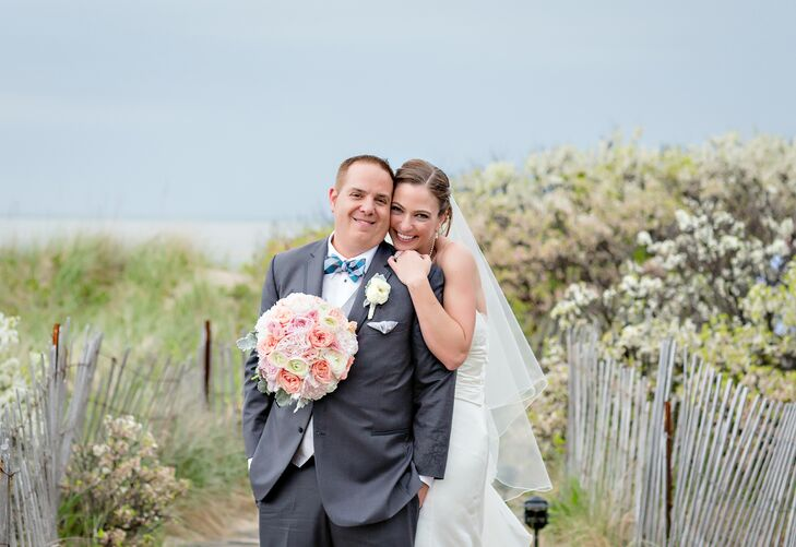 Having spent many summers together at the Ocean Edge Resort in Cape Cod, Massachusetts, Lindsey Clarkson (32 and works for a nonprofit) and Keith Jarv