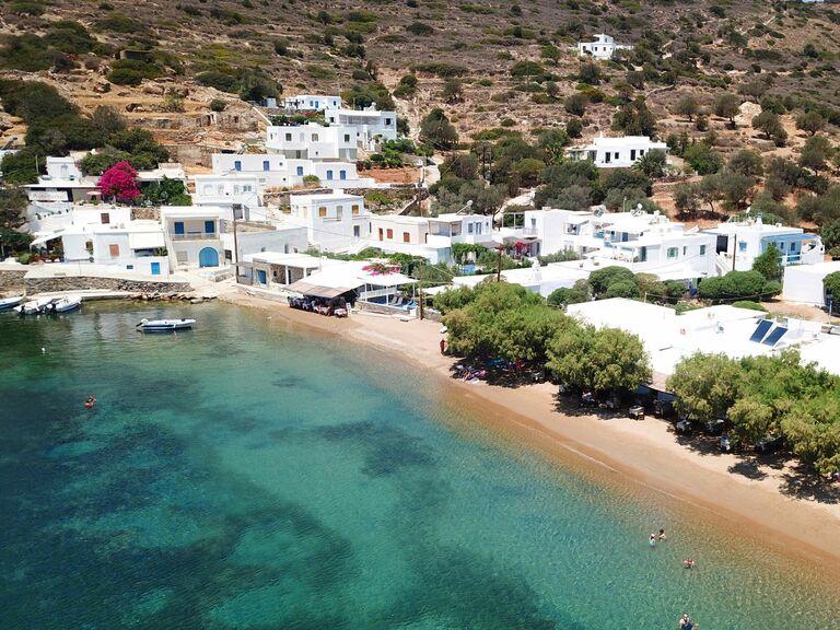 beach in sifnos greece