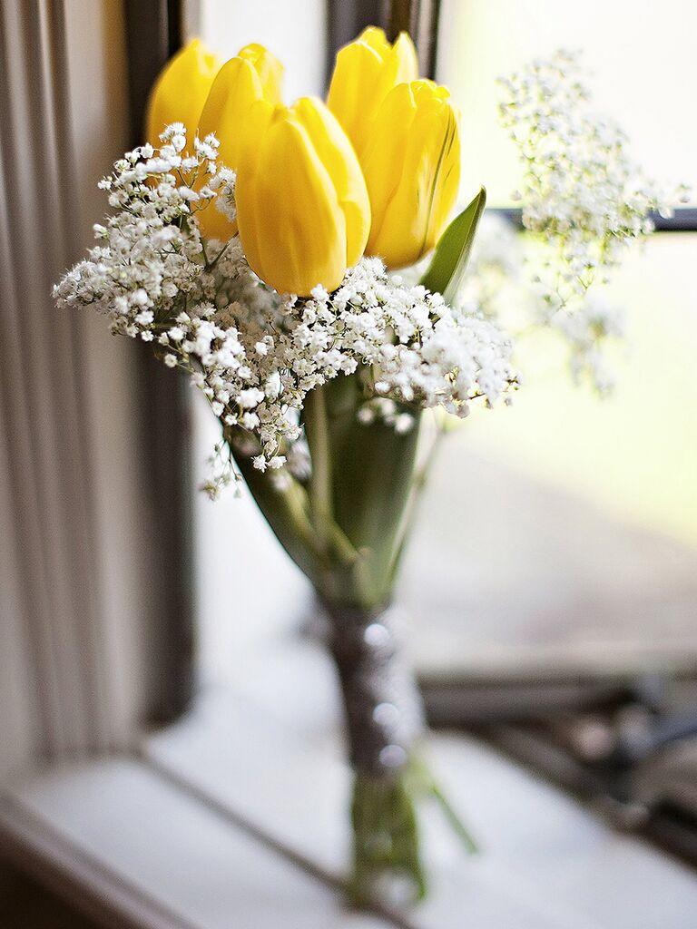 Tulip and baby's breath wedding bouquet ideas