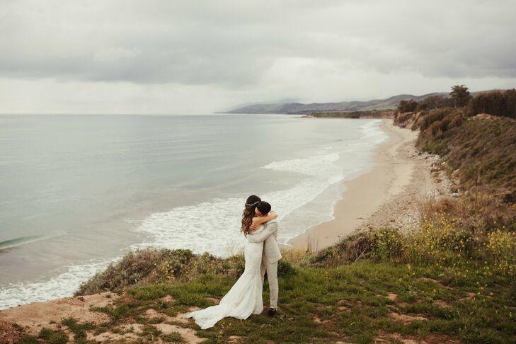 Wedding Pictures Overlooking Pacific Ocean at Dos Pueblos Orchid Farm