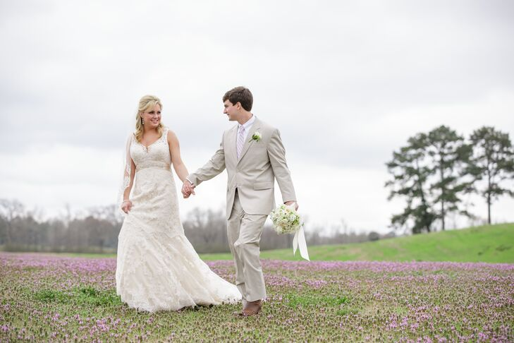 Between the lush hanging arrangements, centerpieces and bouquets, this outdoor wedding feels like a garden – even in March! The