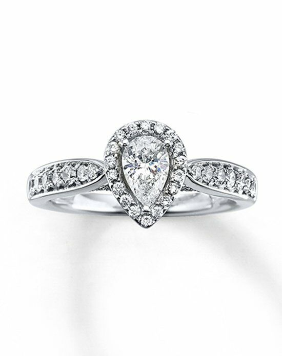 Pear Shaped Engagement Rings