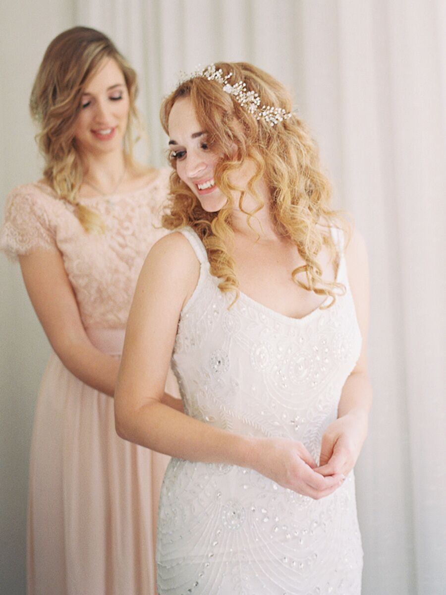 20 Curly Wedding Hairstyles for Long and Short Hair