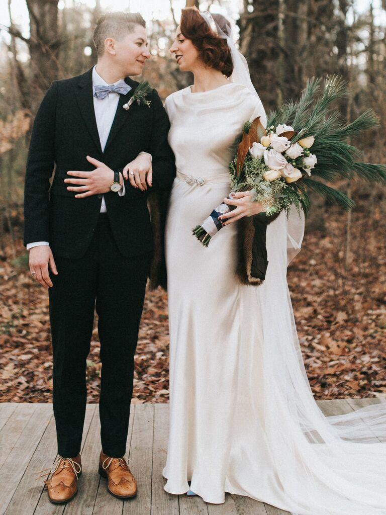 winter wedding ideas pine needle bouquet