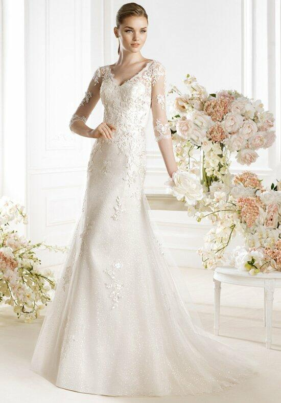 AVENUE DIAGONAL Papyn Wedding Dress photo