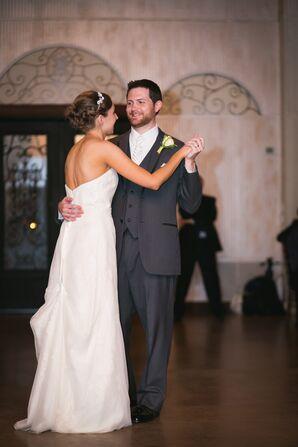 First Dance at Antebellum Oaks Venue