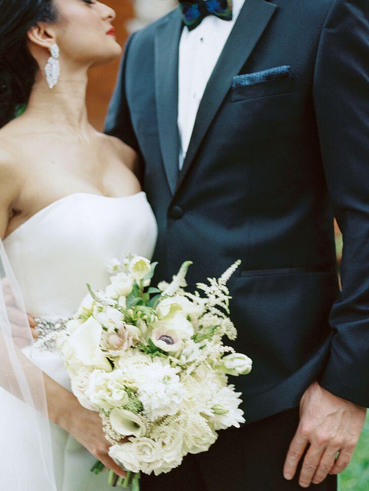 Classic White Bouquet at Regal Miami, Florida, Wedding