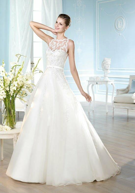 ST. PATRICK Glamour Collection - Halberg Wedding Dress photo