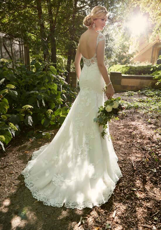 Essense of Australia D2002 Wedding Dress photo