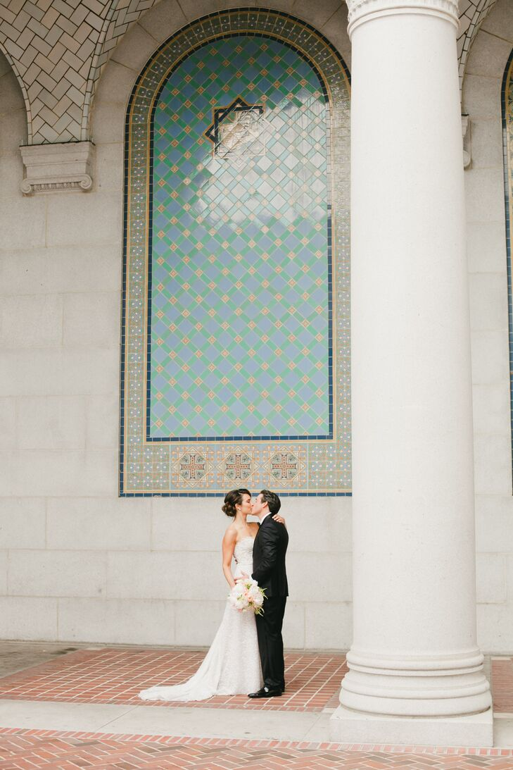 Shannon Radecki (33 and in advertising) and Aaron Pfeffer (37 and a real estate investor) wanted their black-tie wedding in downtown Los Angeles, Cali