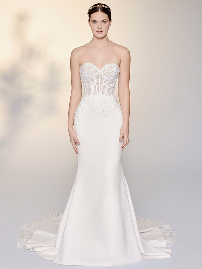 Justin Alexander Signature strapless fit-and-flare wedding dress