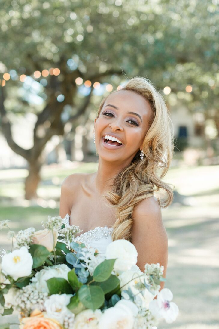 Bridal Portraits at The Ivory Oak in Wimberley, Texas