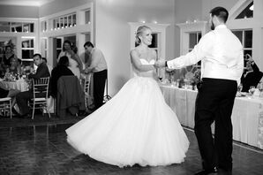 Couple's First Dance at Stonebridge Country Club