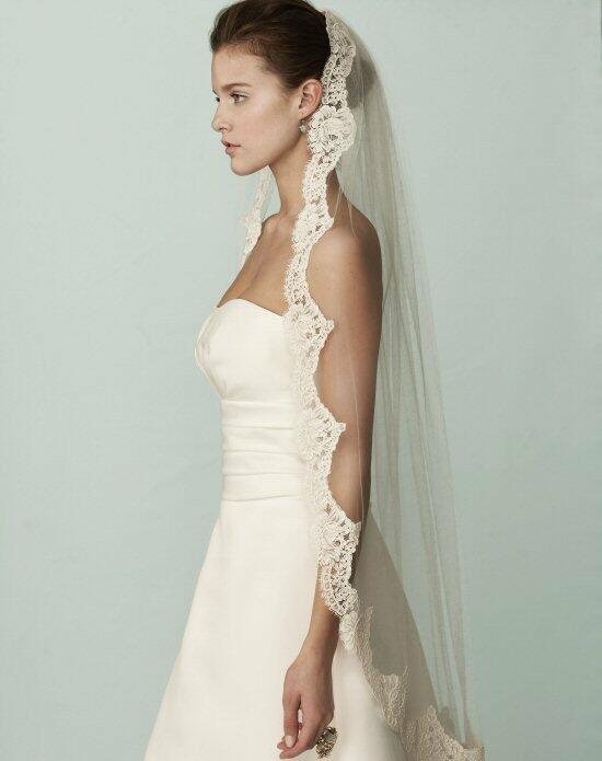 Mikaella by Paloma Blanca Veils Collection VM408F Wedding Veils photo