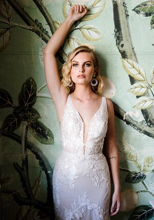 Essense of Australia D3300 Wedding Dress
