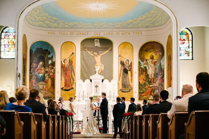 Jaclyn and Matthew exchanged vows during a traditional ceremony at St. Mary's Catholic Church followed by an elegant reception at the Mills House.