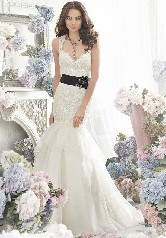 Jim Hjelm 8262 Wedding Dress photo