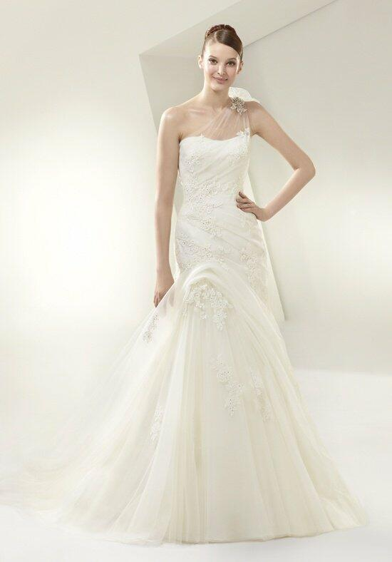 Beautiful BT14-15 Wedding Dress photo