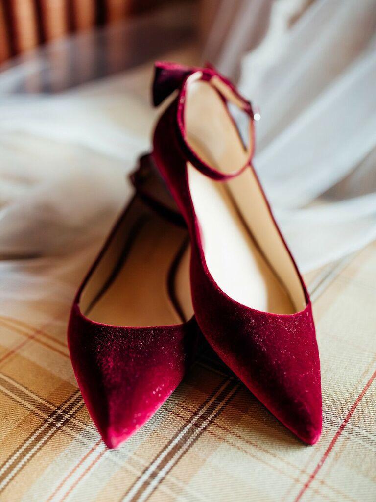 winter wedding ideas red velvet shoes