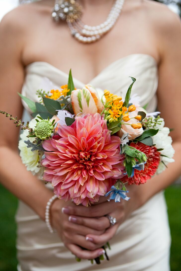 Check out the size of that dahlia! Deanna's pretty bouquet was full of bright seasonal blooms—dusty miller, tulips, roses, dahlias and more.