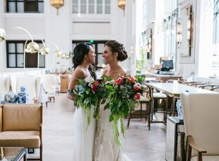 With natural touches and vintage décor, Emily Sasson (32 and a dance instructor and choreographer) and Jovan Nixon (35 and a barista) created a weddin