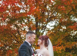 On a crisp October day at the Bedford Village Inn in Bedford, NH, Sarah Hamson (28 and a speech language pathologist) and Sean Conlon (28 and a busine