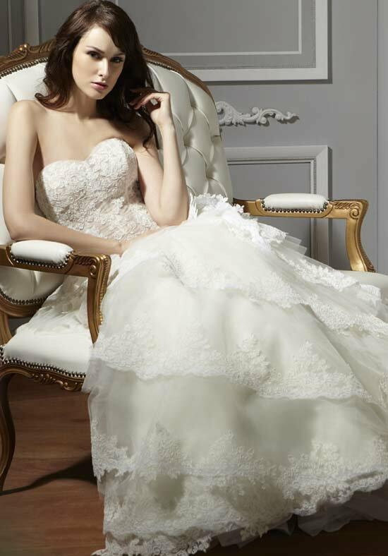 Saison Blanche Couture 8019 Wedding Dress photo