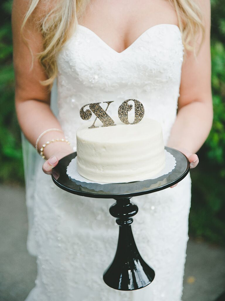 Gold glitter 'XO' cake topper