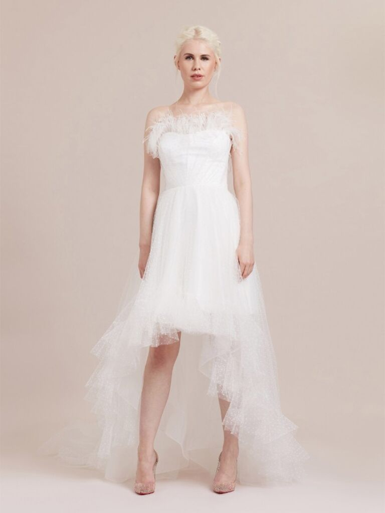 Váy polkadot vải tuyn và áo lông vũ váy cưới đẹp