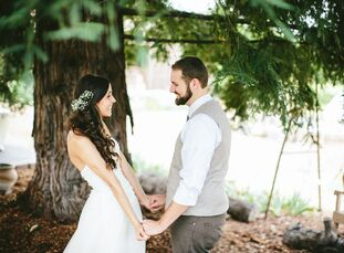 Sarah Hayley (24 and a graduate student) and Luke Hayley (24 and an engineer) love to be outdoors, so it was natural for the couple to choose a locati