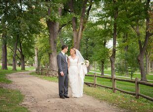 Inspired by the autumn season for their October nuptials, Gail McGinty (30 and a kindergarten teacher) and Daniel Lipari (28 and