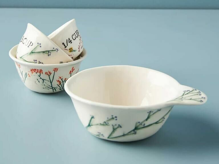 Pretty floral measuring cups mother-in-law gift