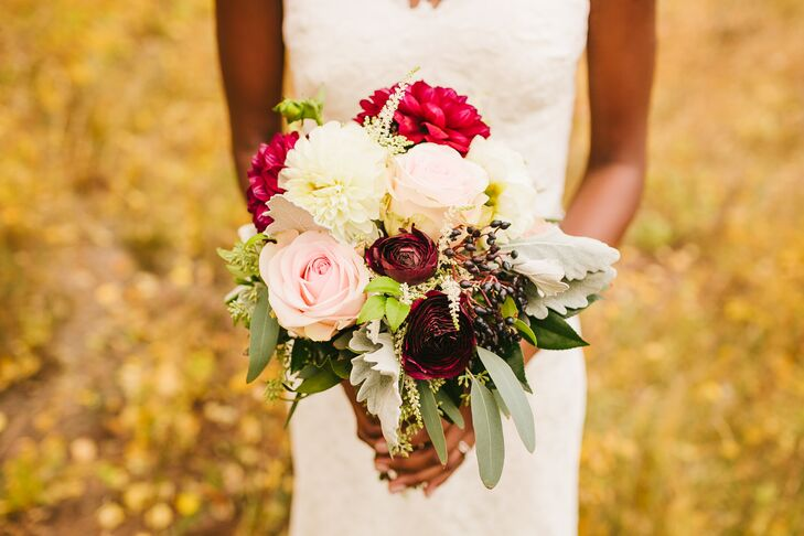 Romantic Bouquet of Roses, Dahlias and Burgundy Ranunculus