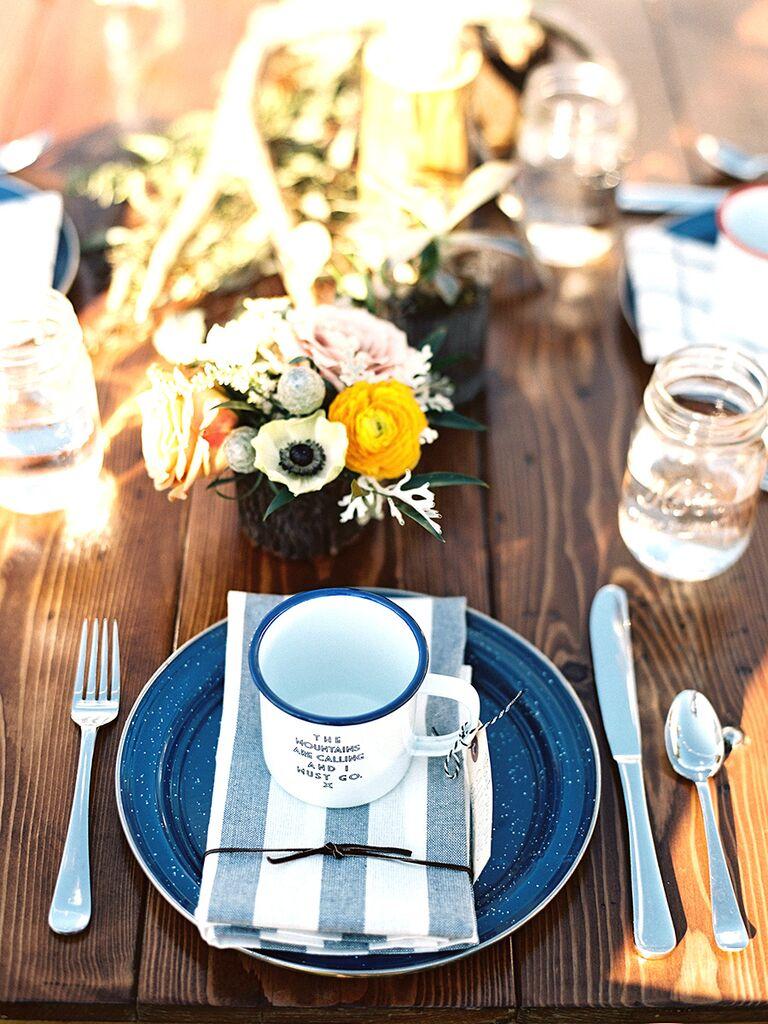Coffee mug favors for a wedding brunch idea