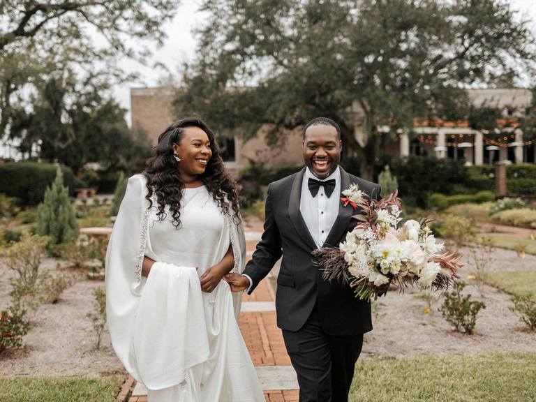 how to choose a wedding photographer happy couple