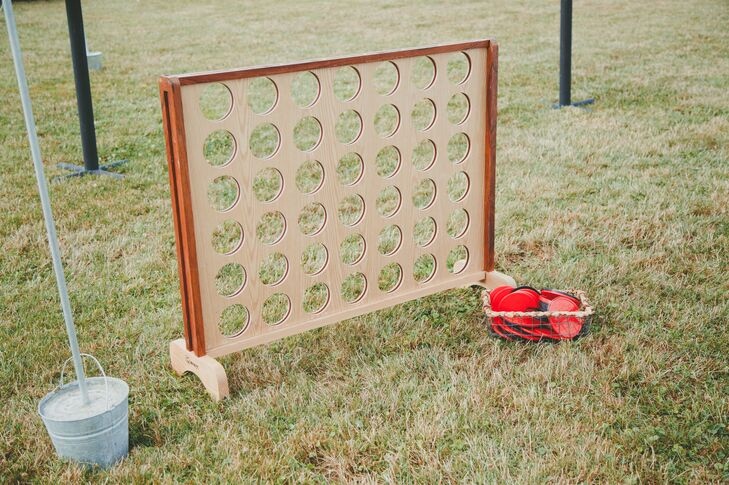 An oversized Connect Four game was set out on the lawn for guests to play during the cocktail hour.