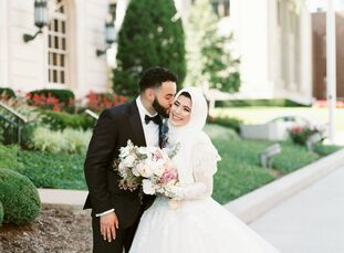 Although their elegant wedding looked absolutely effortless in the end, Lyna Rehan (22 and a medical student) and Abdul Derbas (26 and an anesthesiolo