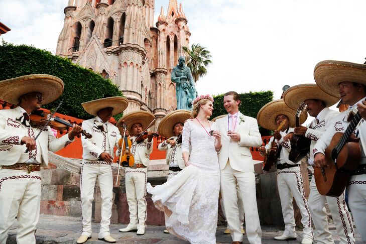 It's hardly a wedding in Mexico without a mariachi band, and that's just what Louisa and Joseph had. The band marched with them through the mojiganga parade and entertained at the reception.