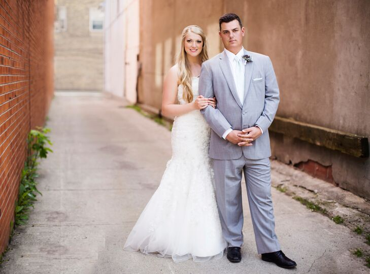 Jillian Shell (26 and a registered nurse) and Jordan Kuruliak (26 and a power lineman) went all-out glam for their early-summer