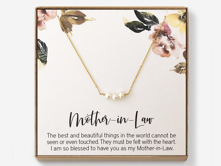 Pearl necklace mother-in-law gift