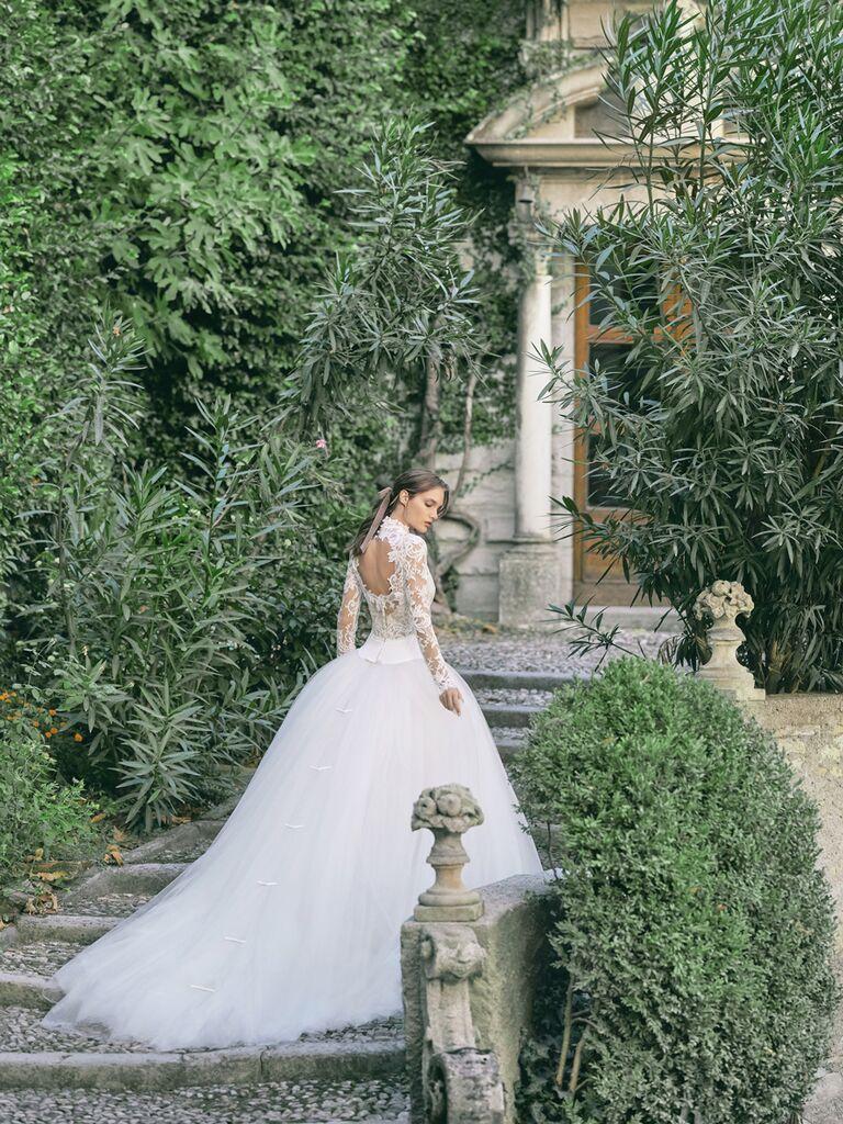 monique lhuillier tulle and lace ballgown