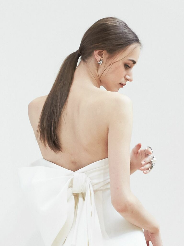 Low ponytail wedding hairstyle for long hair