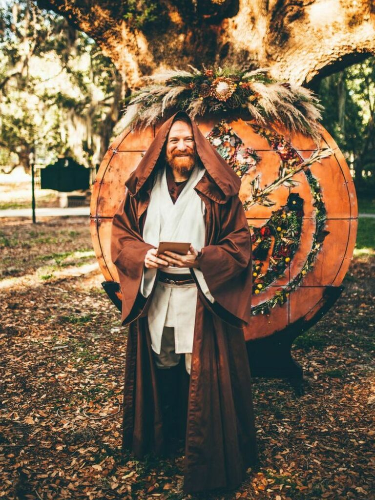 Officiant dressed as 'Star Wars' character