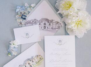 Brittany and Rich tied the knot with a classic-meets-luxury wedding at Knotting Hill Place in Little Elm, Texas. The couple filled the wedding celebra