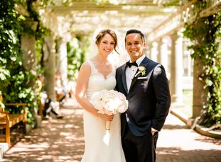Rebecca Goldberg (28 and a product manager) and Jonathan Arias (31 and a product manager) planned an elegant spring affair at the Langham Hotel in Bos